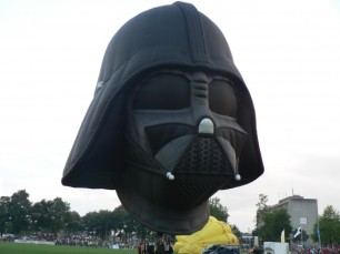 Darth-Vader-Hot-Air-Balloon-1-570x427