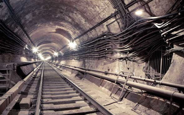 endless-subway-tunnel-2560x1600