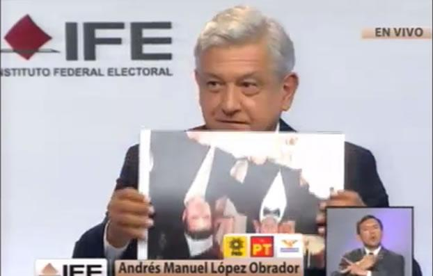 amlo-debate-foto-al-reves